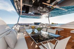 Dreamline DL26 Flybridge Lounge