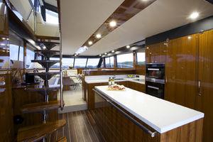 Maritimo M70 Motoryacht