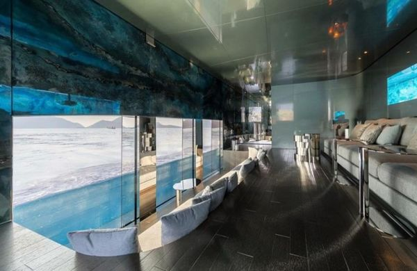 This Savannah Underwater Room Has To Be The Coolest