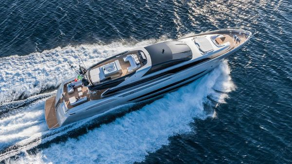 15 Seconds Is All It Takes For This RIVA 122' Mythos To Dazzle You
