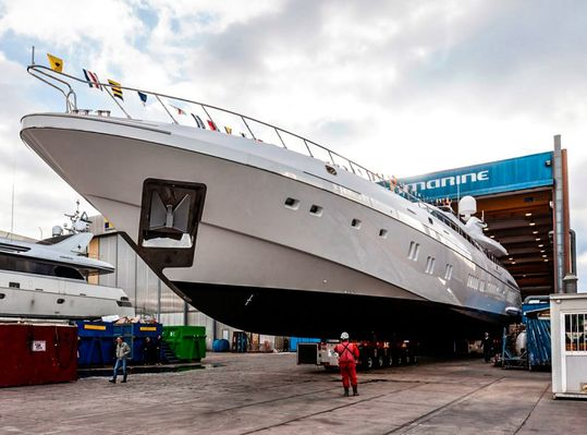 11th Mangusta 165 Hits The Water!